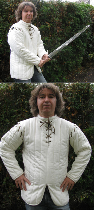 Cotton gambeson with cotton filling, detachable sleeves
