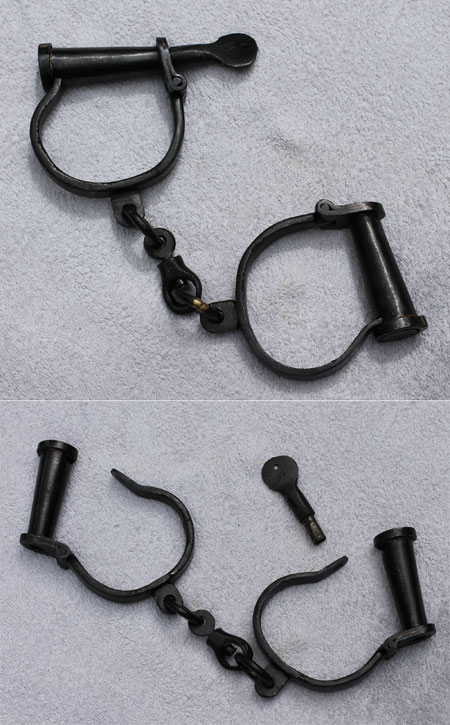 Handcuffs hand-forged Black