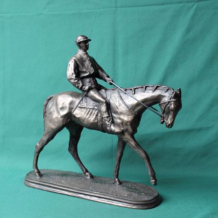 Jockey - Der Sieger ! Bronze Imit.Steinguss