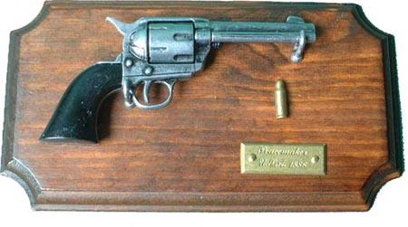 Erinnerungsplatte Colt Peacemaker M 1886