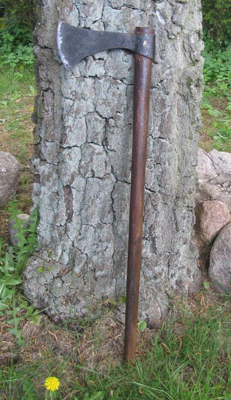 Mittelalterliche Wikinger Axt mit länglichem Blatt