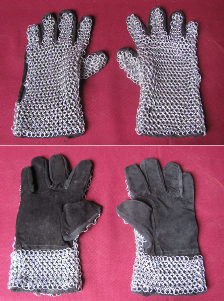 Chainmail gloves for medieval armour