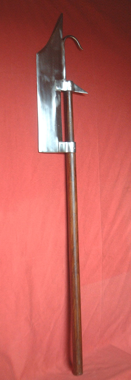 Swiss Vogue, long axe on a short pole, 14th century