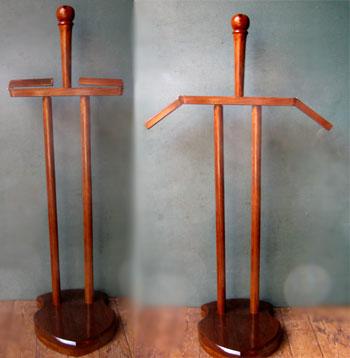 Wooden stand for Roman armour (lorica segmentata)